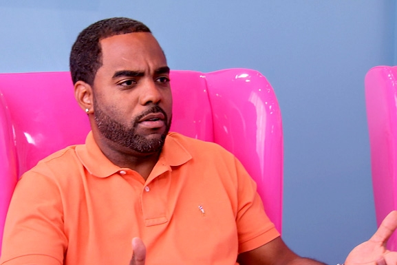 RHOA S6 Ep13 Todd Pink Chair